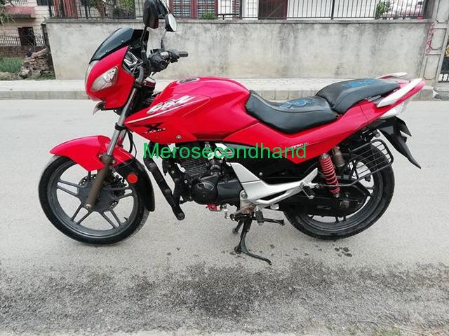hero extreme bike on sale at kathmandu - 1/4