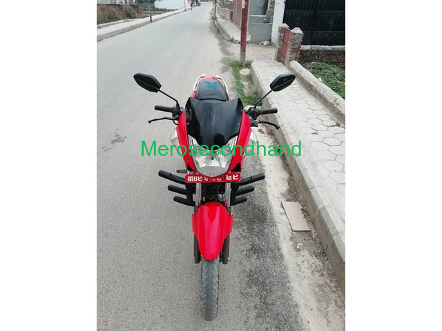 hero extreme bike on sale at kathmandu - 3/4