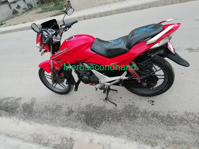 hero extreme bike on sale at kathmandu - 4/4