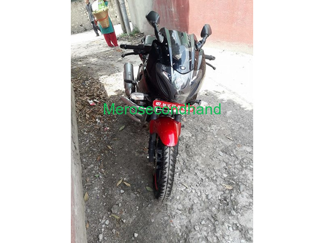Pulsar 220f red n black bike on sale at kathmandu - 3/4