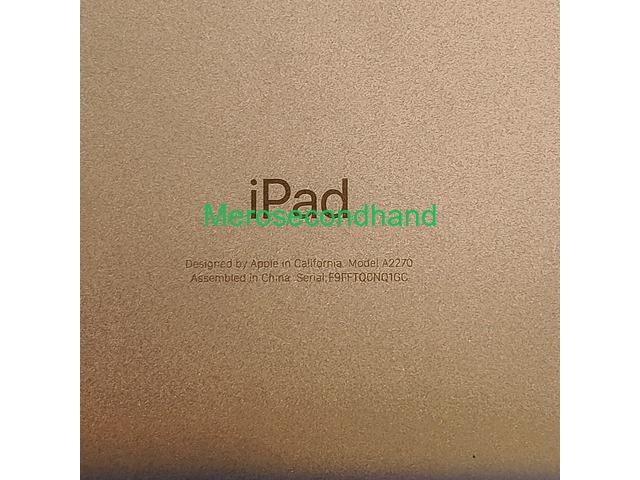 Apple iPad 8th Generation - 2/5